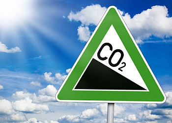 Fotolia 54481947 CO2 SChild 350